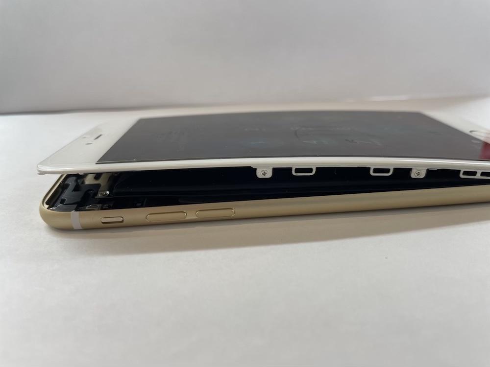 写真は、持ち込み時のPhone6Plusです