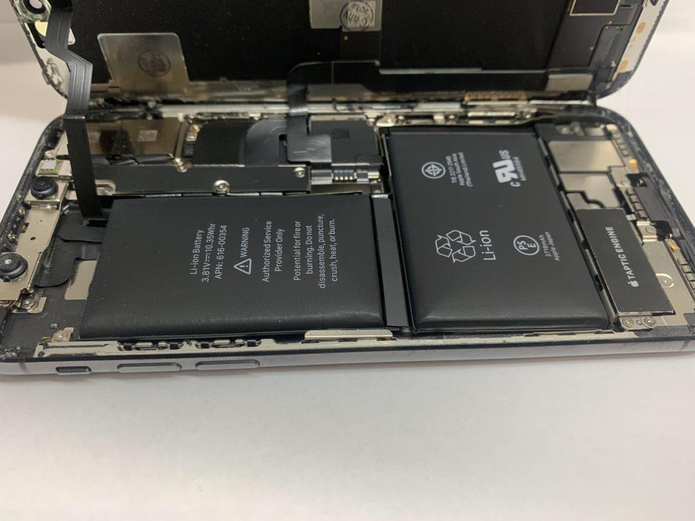 実際のバッテリー膨張したiPhoneXの分解の様子