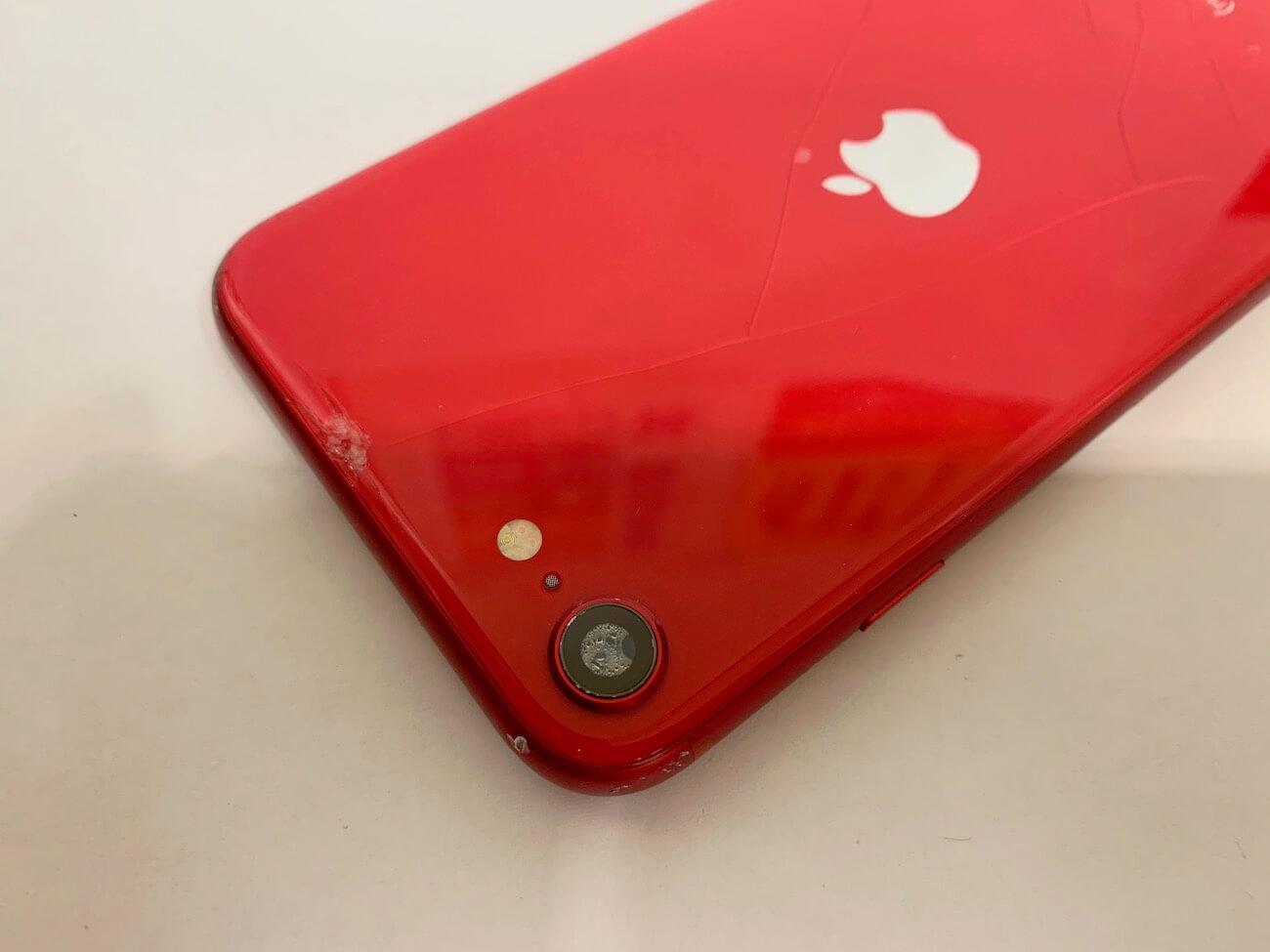 iPhoneSE(第二世代)の修理前の写真
