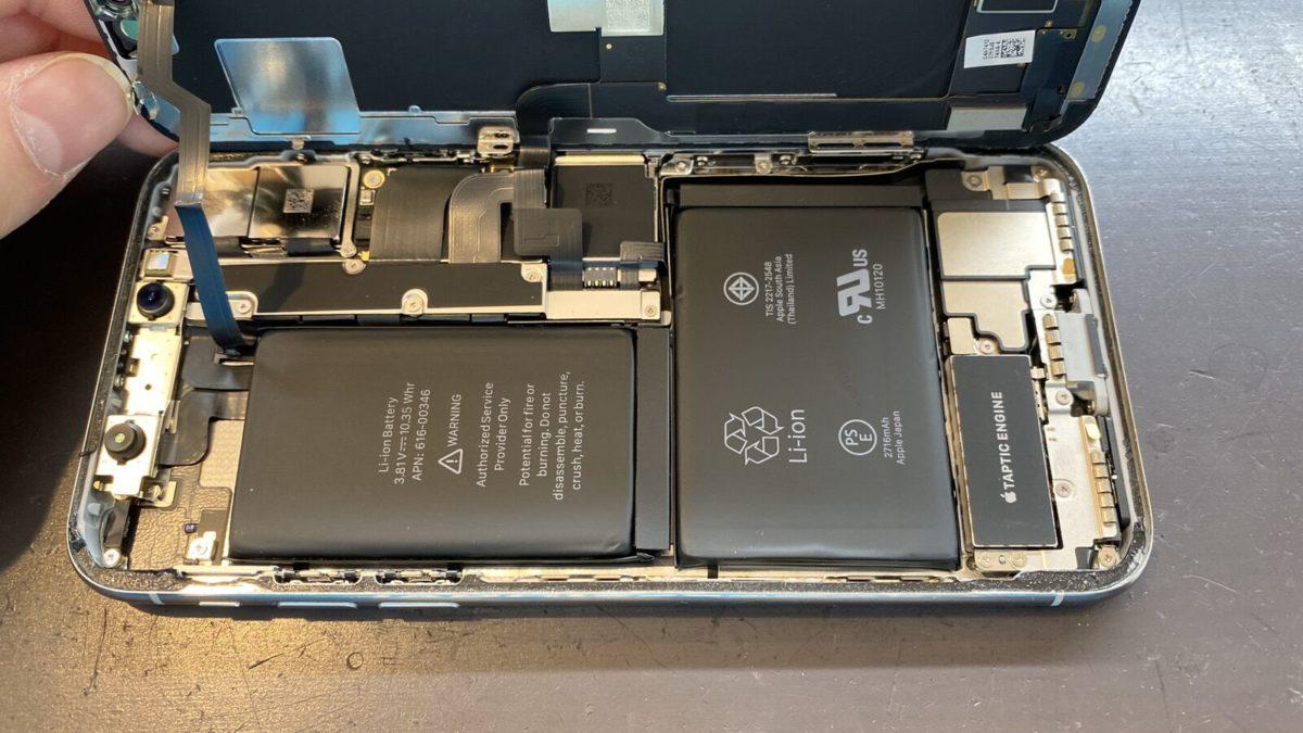 実際に修理したiPhoneXの内部の様子