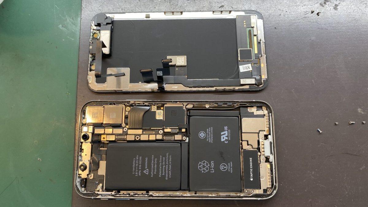 実際に修理したiPhoneXの分解の様子
