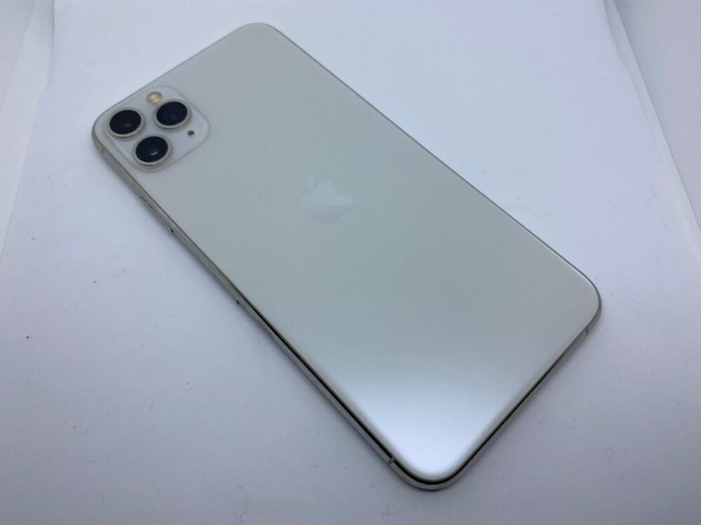 写真は、iPhone11Pro背面ガラスです。