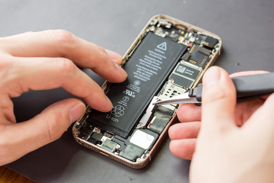 iPhoneのバッテリー交換に関わる修理時間